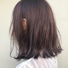 ラベンダー ラベンダーアッシュ ミディアム 外ハネ ヘアスタイルや髪型の写真・画像
