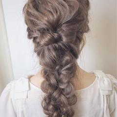 結婚式 フェミニン 四つ編み 編み込み ヘアスタイルや髪型の写真・画像