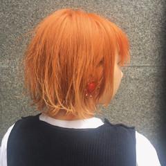 アプリコットオレンジ オレンジ ダブルカラー コーラル ヘアスタイルや髪型の写真・画像