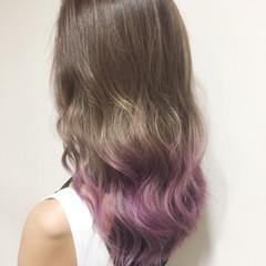 外国人風 ガーリー ピンク カラーバター ヘアスタイルや髪型の写真・画像