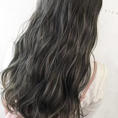透明感 グレージュ 秋 外国人風 ヘアスタイルや髪型の写真・画像