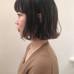 ミニボブ 切りっぱなしボブ ナチュラル 外ハネボブ ヘアスタイルや髪型の写真・画像
