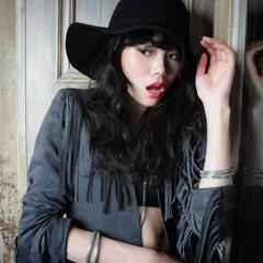 パーマ モード 黒髪 前髪あり ヘアスタイルや髪型の写真・画像