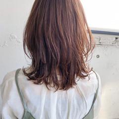 ウルフカット フェミニン 簡単ヘアアレンジ ミディアム ヘアスタイルや髪型の写真・画像