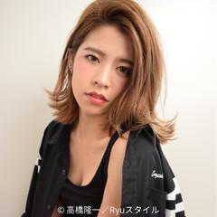 外国人風 外ハネ ハイライト ハイトーン ヘアスタイルや髪型の写真・画像