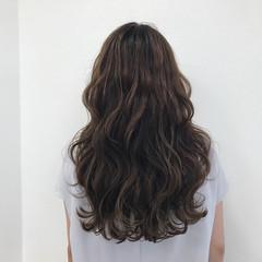セミロング フェミニン 外国人風カラー 透明感 ヘアスタイルや髪型の写真・画像
