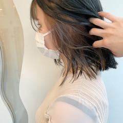 外ハネボブ 切りっぱなしボブ ガーリー インナーカラー ヘアスタイルや髪型の写真・画像