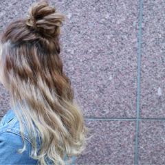 簡単ヘアアレンジ ロング ガーリー フェミニン ヘアスタイルや髪型の写真・画像