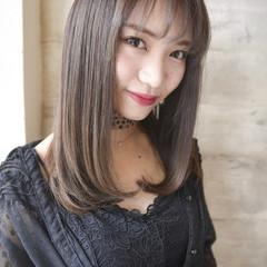 ナチュラル 艶髪 ストレート セミロング ヘアスタイルや髪型の写真・画像