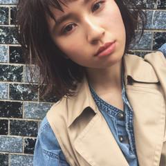 外国人風 ウェットヘア ショートバング ミディアム ヘアスタイルや髪型の写真・画像