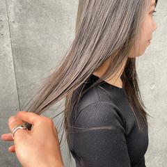 カーキアッシュ ナチュラル ブリーチなし ベージュ ヘアスタイルや髪型の写真・画像