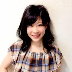 ミディアム ガーリー 黒髪 フェミニン ヘアスタイルや髪型の写真・画像