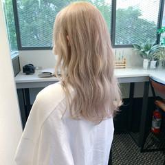ハイトーン ロング ナチュラル 透明感カラー ヘアスタイルや髪型の写真・画像