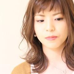 外ハネ ミディアム 髪質改善カラー 極細ハイライト ヘアスタイルや髪型の写真・画像