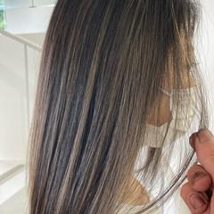 グレージュ ミルクティーベージュ ナチュラル イルミナカラー ヘアスタイルや髪型の写真・画像