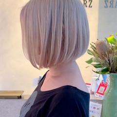 ミニボブ ボブ フェミニン ブリーチオンカラー ヘアスタイルや髪型の写真・画像