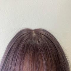 シルバー フェミニン セミロング シルバーグレー ヘアスタイルや髪型の写真・画像