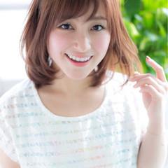 ミディアム モテ髪 アッシュ 大人かわいい ヘアスタイルや髪型の写真・画像