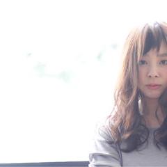 ガーリー ベージュ ラベンダーピンク ベビーバング ヘアスタイルや髪型の写真・画像