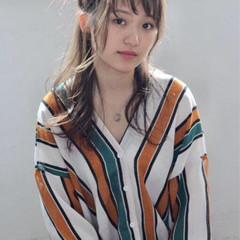 ヘアアレンジ セミロング 秋 ナチュラル ヘアスタイルや髪型の写真・画像