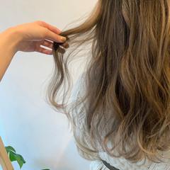 モード アッシュグラデーション グラデーションカラー ミルクティー ヘアスタイルや髪型の写真・画像