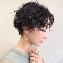 黒髪ショート モード ショートヘア ショートパーマ ヘアスタイルや髪型の写真・画像