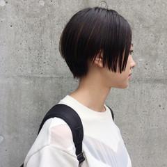 ショート リラックス ウェットヘア モード ヘアスタイルや髪型の写真・画像
