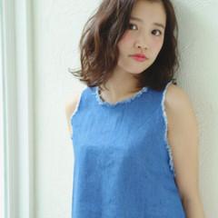 パーマ 夏 ミディアム 春 ヘアスタイルや髪型の写真・画像