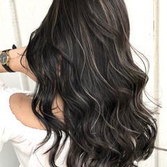 ハイライト デート ロング インナーカラー ヘアスタイルや髪型の写真・画像