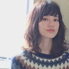 暗髪 ゆるふわ 黒髪 パーマ ヘアスタイルや髪型の写真・画像
