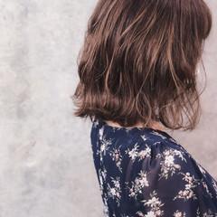 波巻き アンニュイほつれヘア ボブ ミルクティーベージュ ヘアスタイルや髪型の写真・画像