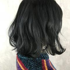 ミディアム ダブルカラー ハイトーン ブルージュ ヘアスタイルや髪型の写真・画像