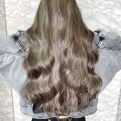 ロング ミルクティーベージュ ハイトーンカラー ショートボブ ヘアスタイルや髪型の写真・画像
