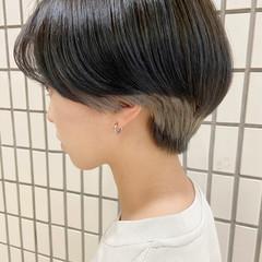 インナーカラー アッシュ ブリーチ ショート ヘアスタイルや髪型の写真・画像