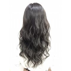 ストリート ハイライト ロング アッシュ ヘアスタイルや髪型の写真・画像