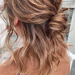 ヘアアレンジ ナチュラル ハーフアップ ミディアム ヘアスタイルや髪型の写真・画像