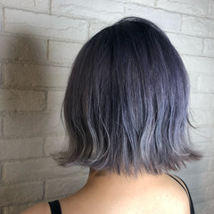 ブルー 外ハネボブ 外ハネ ハイトーン ヘアスタイルや髪型の写真・画像