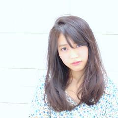 大人女子 セミロング 黒髪 暗髪 ヘアスタイルや髪型の写真・画像