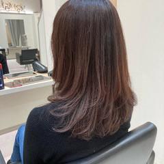 ツヤ髪 イルミナカラー セミロング フェミニン ヘアスタイルや髪型の写真・画像