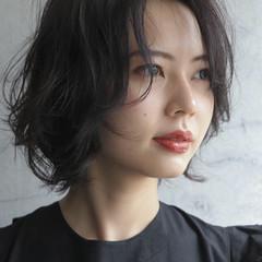 アンニュイほつれヘア ショート 濡れ髪スタイル ヘアメイク ヘアスタイルや髪型の写真・画像