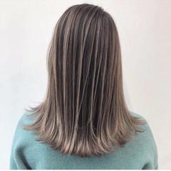 エレガント ダブルカラー グレージュ バレイヤージュ ヘアスタイルや髪型の写真・画像