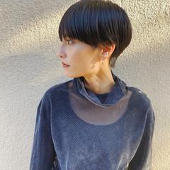 小顔ショート マッシュショート ハンサムショート 黒髪ショート ヘアスタイルや髪型の写真・画像