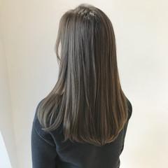 ナチュラル アッシュグレージュ グレージュ セミロング ヘアスタイルや髪型の写真・画像