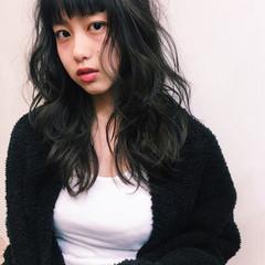 黒髪 パーマ ナチュラル 暗髪 ヘアスタイルや髪型の写真・画像