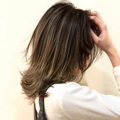 バレイヤージュ 外国人風 ミディアム グラデーションカラー ヘアスタイルや髪型の写真・画像