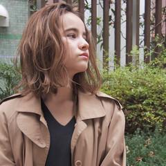 こなれ感 ベージュ 大人女子 外国人風 ヘアスタイルや髪型の写真・画像