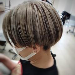 ショート モード ハイトーンカラー ハイライト ヘアスタイルや髪型の写真・画像