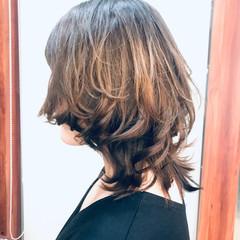 フェミニンウルフ レイヤースタイル フェミニン ウルフカット ヘアスタイルや髪型の写真・画像
