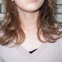 アッシュ ストリート 外ハネ ハイライト ヘアスタイルや髪型の写真・画像