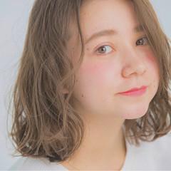 ミディアム リラックス タンバルモリ デート ヘアスタイルや髪型の写真・画像